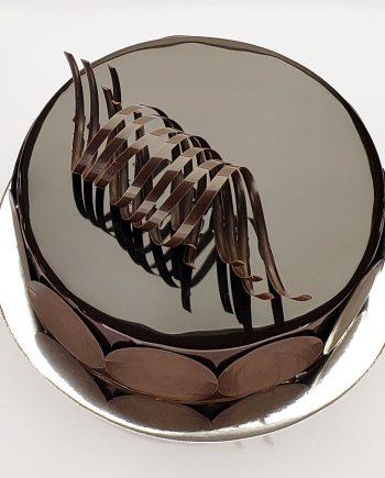 Pastel espejo de chocolate oscuro a domicilio